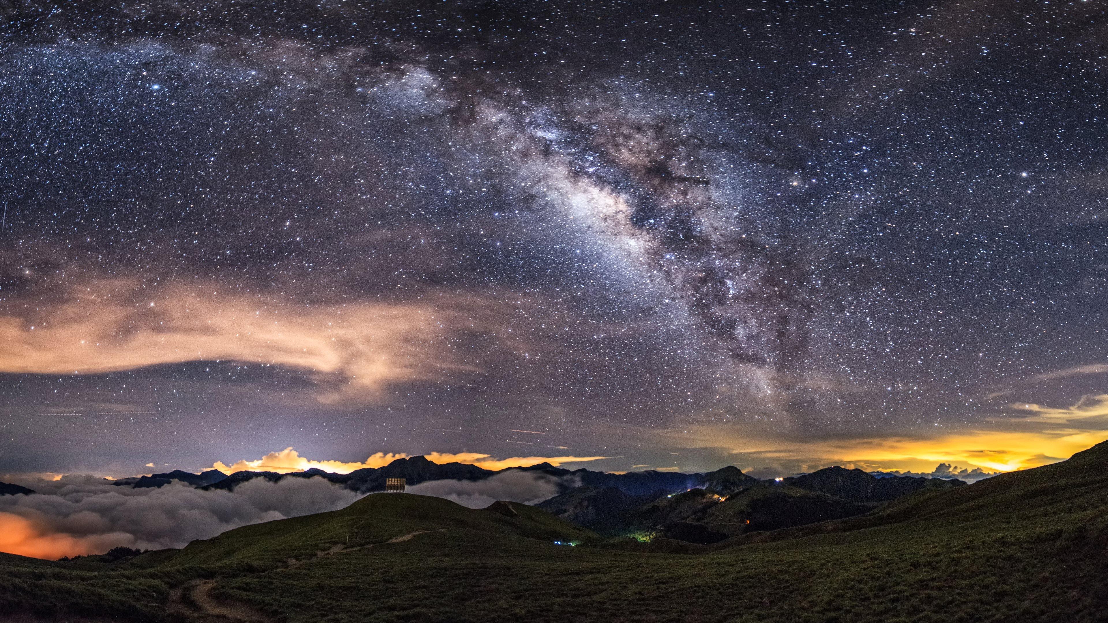 Milky Way on the night sky 3840x2160