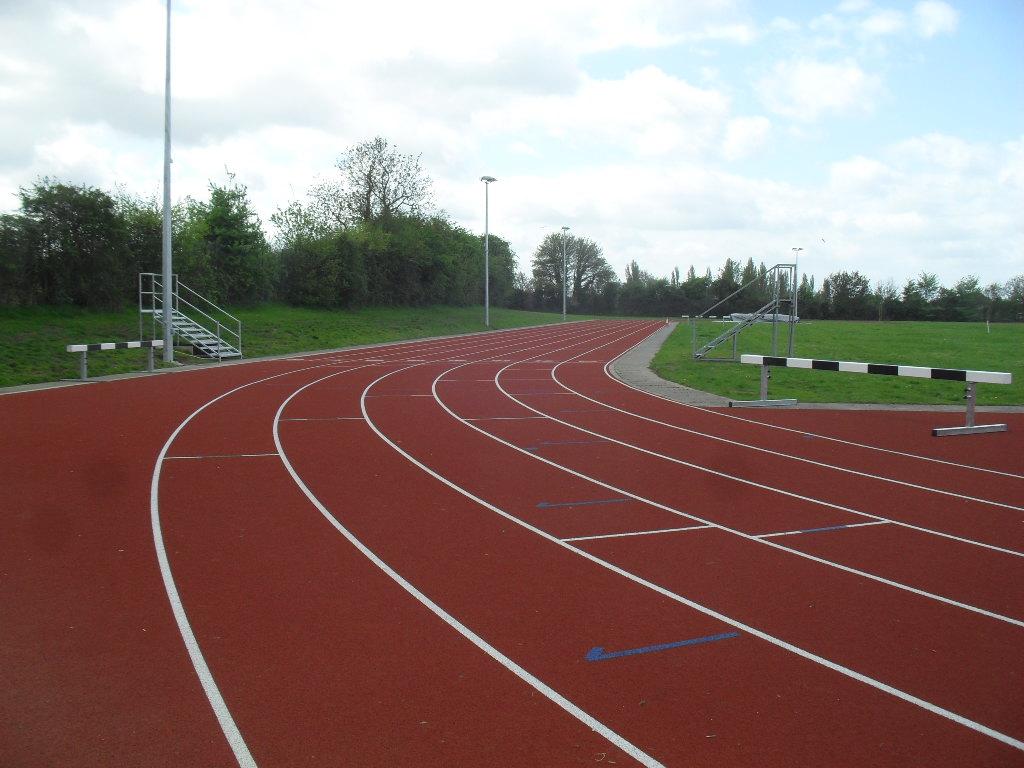 Endless running track wallpaper