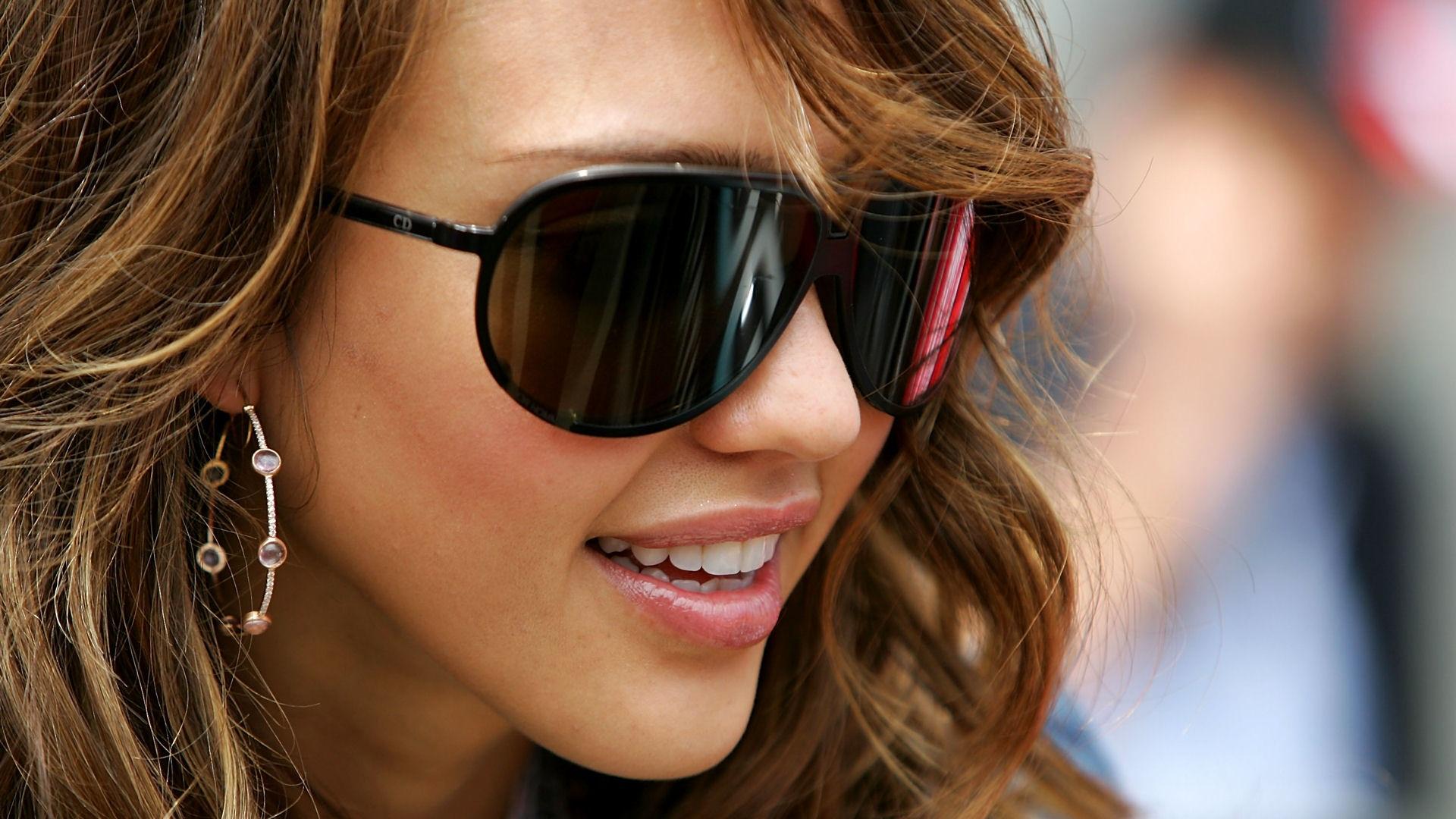 Jessica Alba full hd wallpaper sunglasses pretty face 1920x1080
