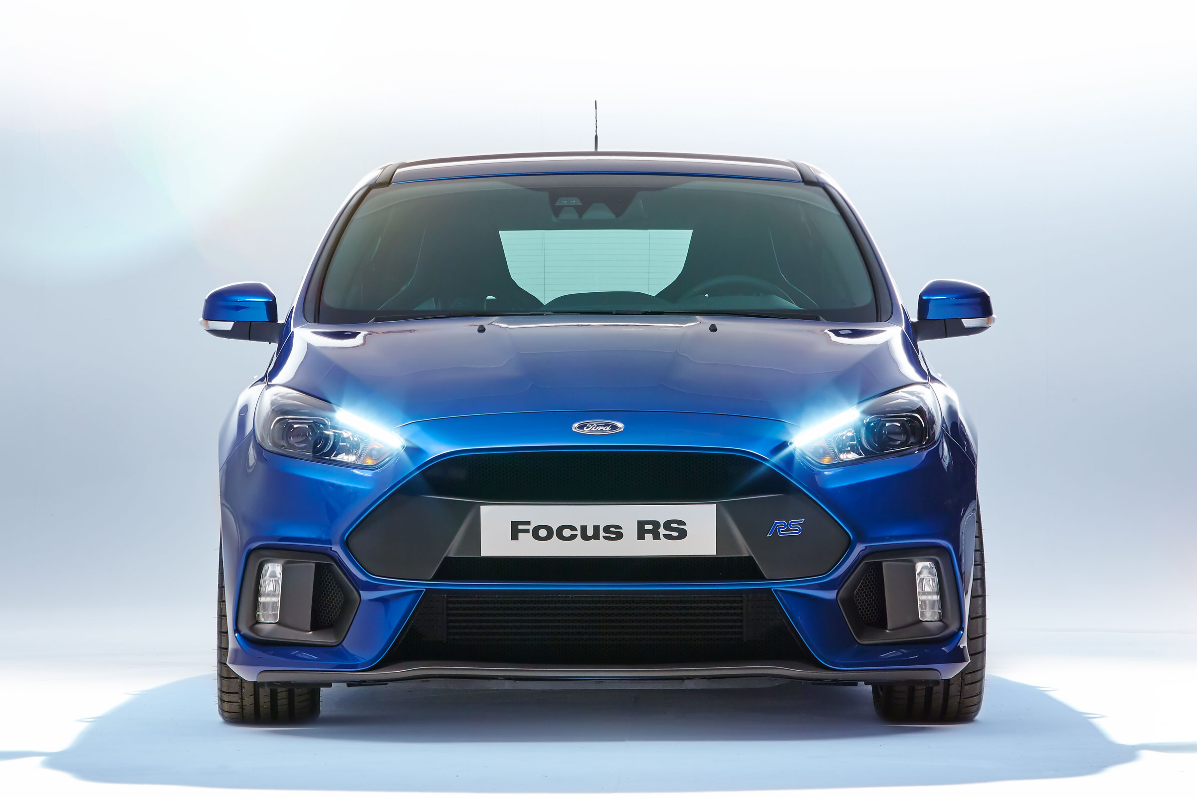 2015 ford focus rs wallpaper 5 2400x1600