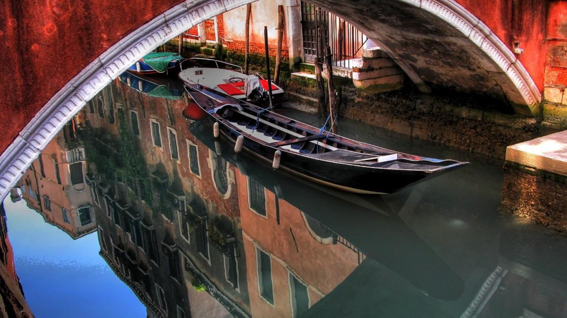 Venice Gondola River Buildings Bridges   Stock Photos Images 1156x650