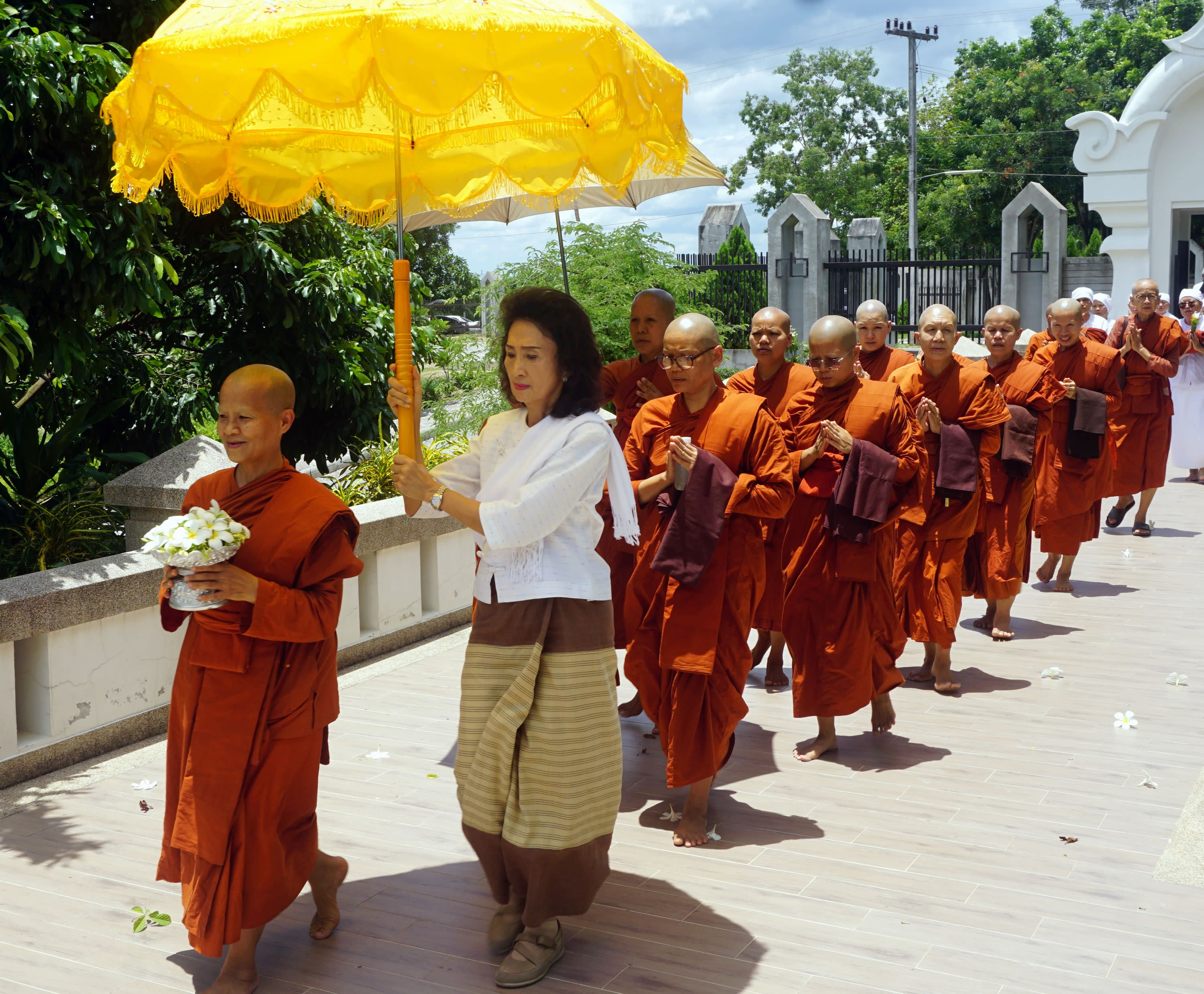 Thailands Buddhist nuns fight for equality   Nikkei Asian Review 3000x2476