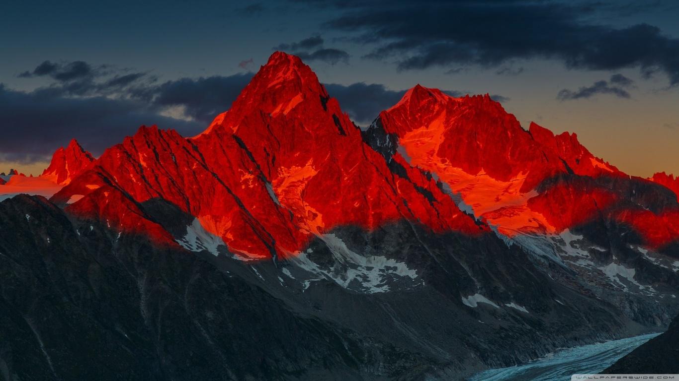 Alpenglow over the Argentiere Glacier France 4K HD Desktop 1366x768