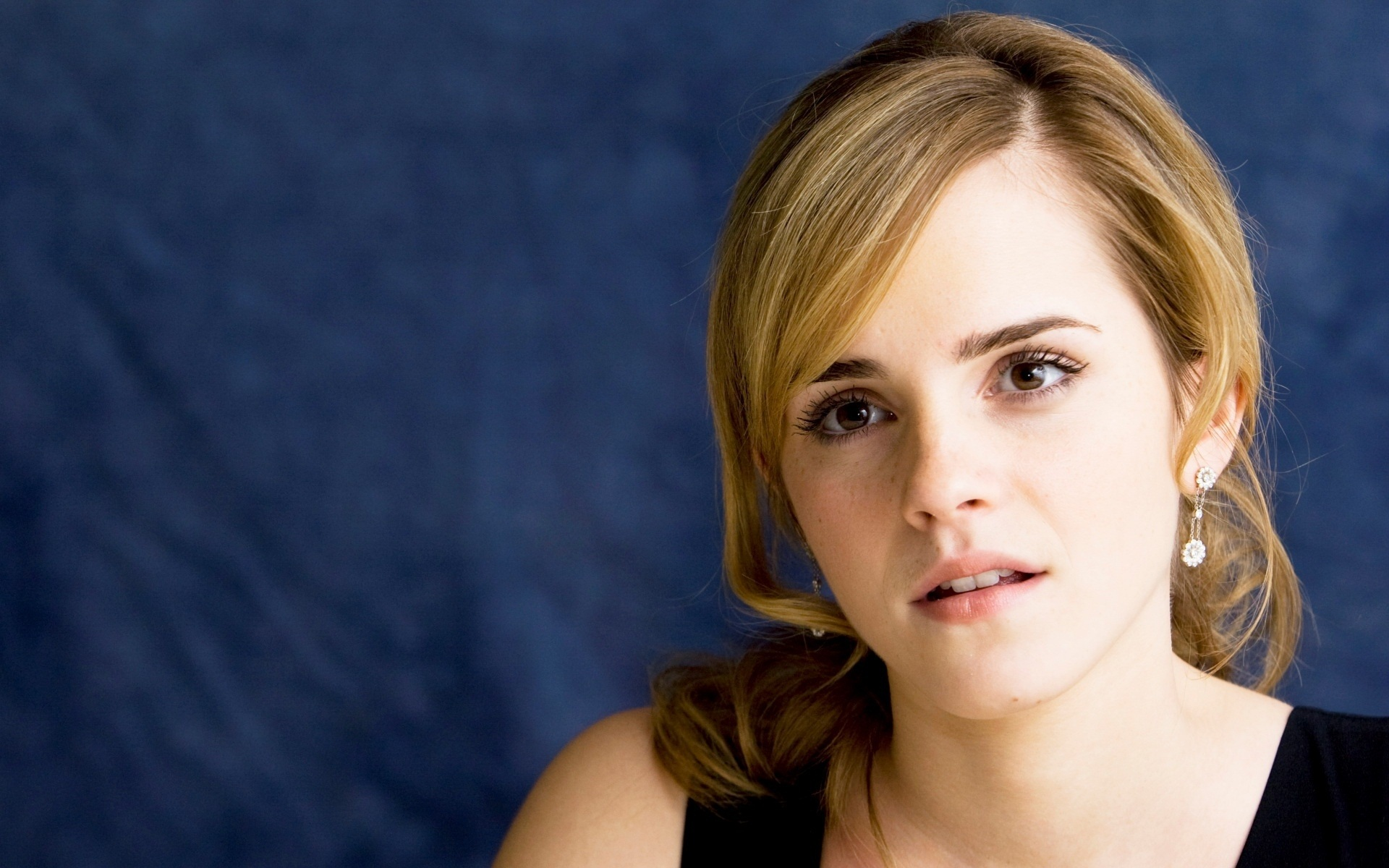 Emma Watson Wallpaper Hd - WallpaperSafari