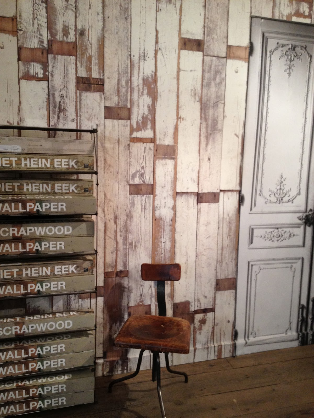 Rustic Faux Wood Wallpaper A display of faux barn wood 1200x1600