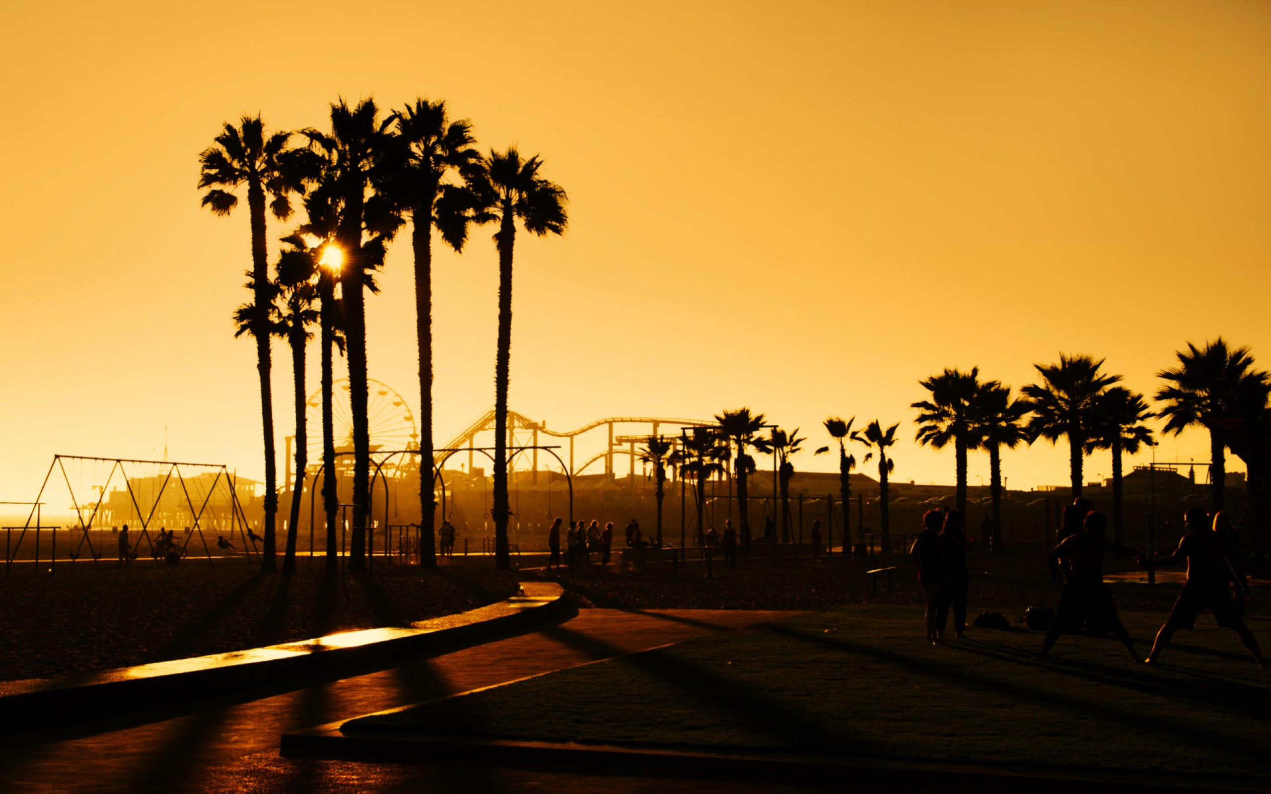 Santa Monica California Beach Sunset Wallpaper in High Resolution at 2560x1600