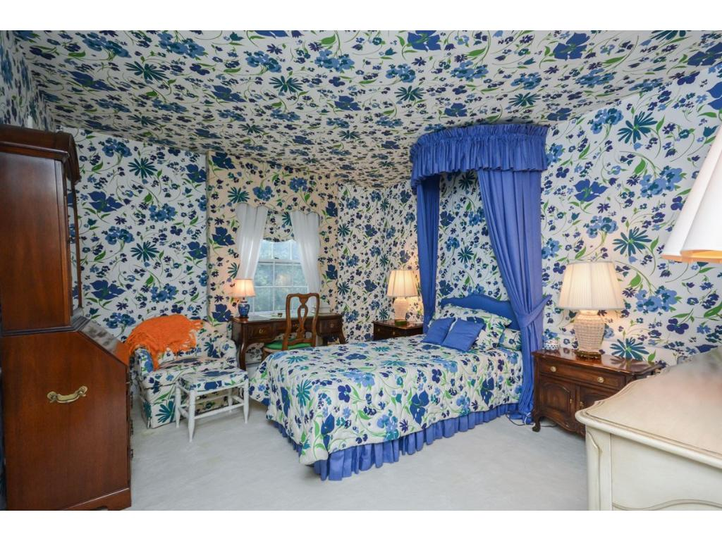 This wacky wallpaper house will assault your eyes with patterns 1024x768