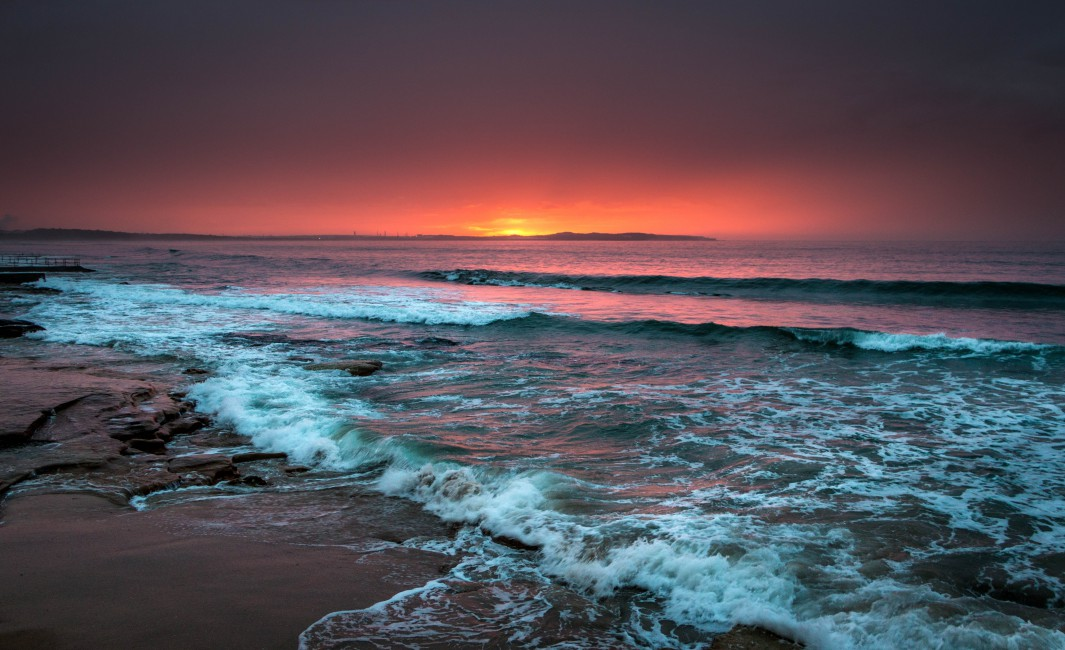 Sea Horizon Sunset Waves Foam Surf Beach   Stock Photos 1065x650