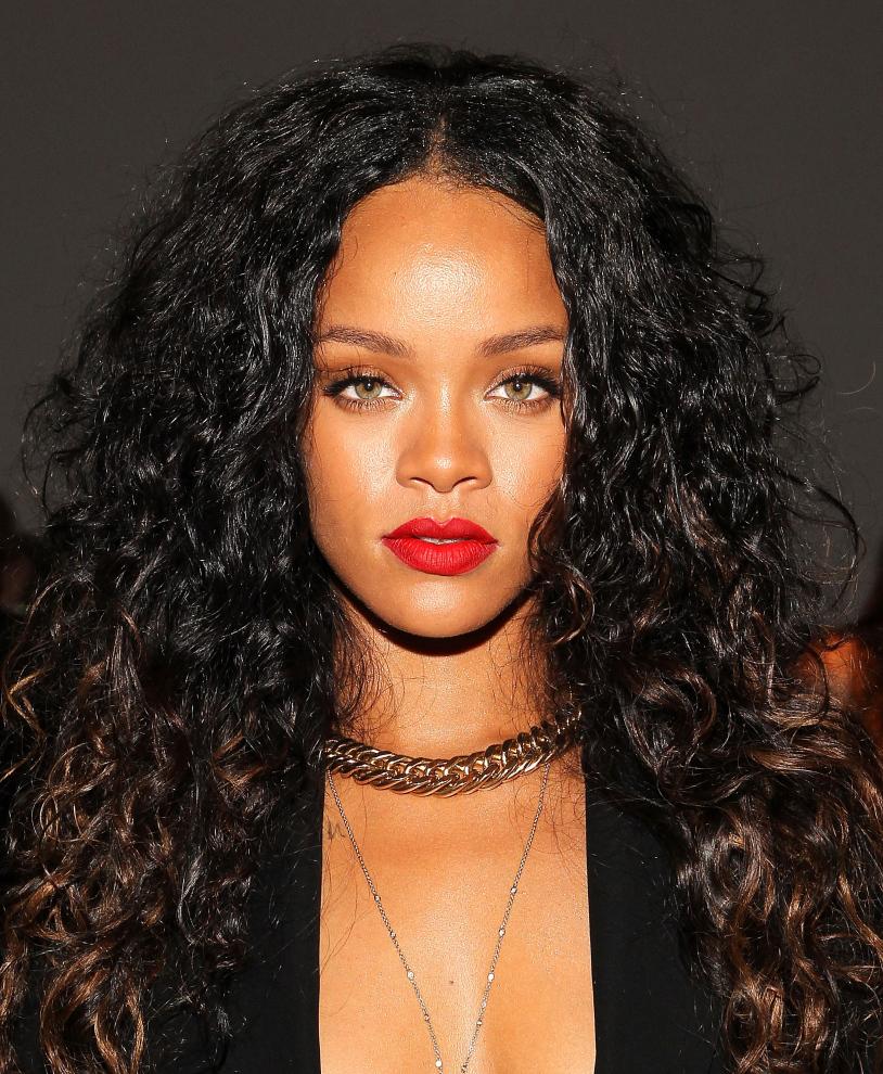 Rihanna 814x990
