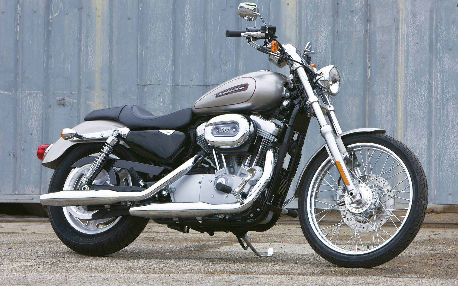 Harley Davidson Sportster Bike Hd Wallpaper 1600x1000