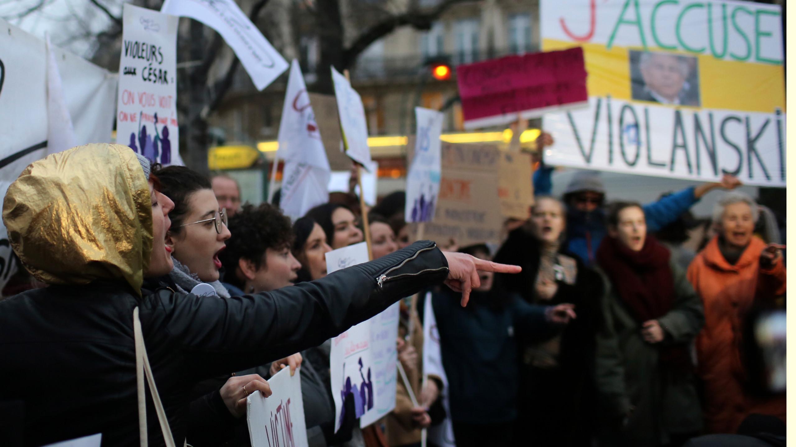 Anti Polanski protesters greet French film awards ceremony 2560x1440