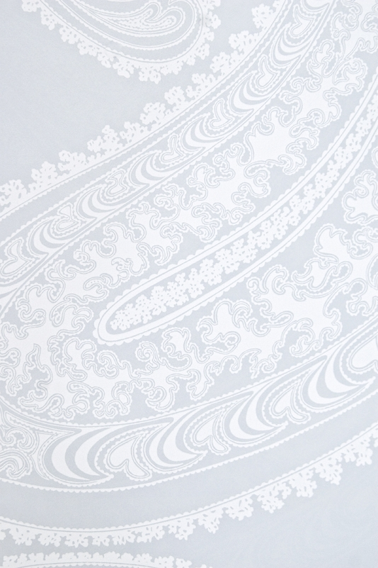 design Paisley print wallpaper in light blue grey with white design 534x801