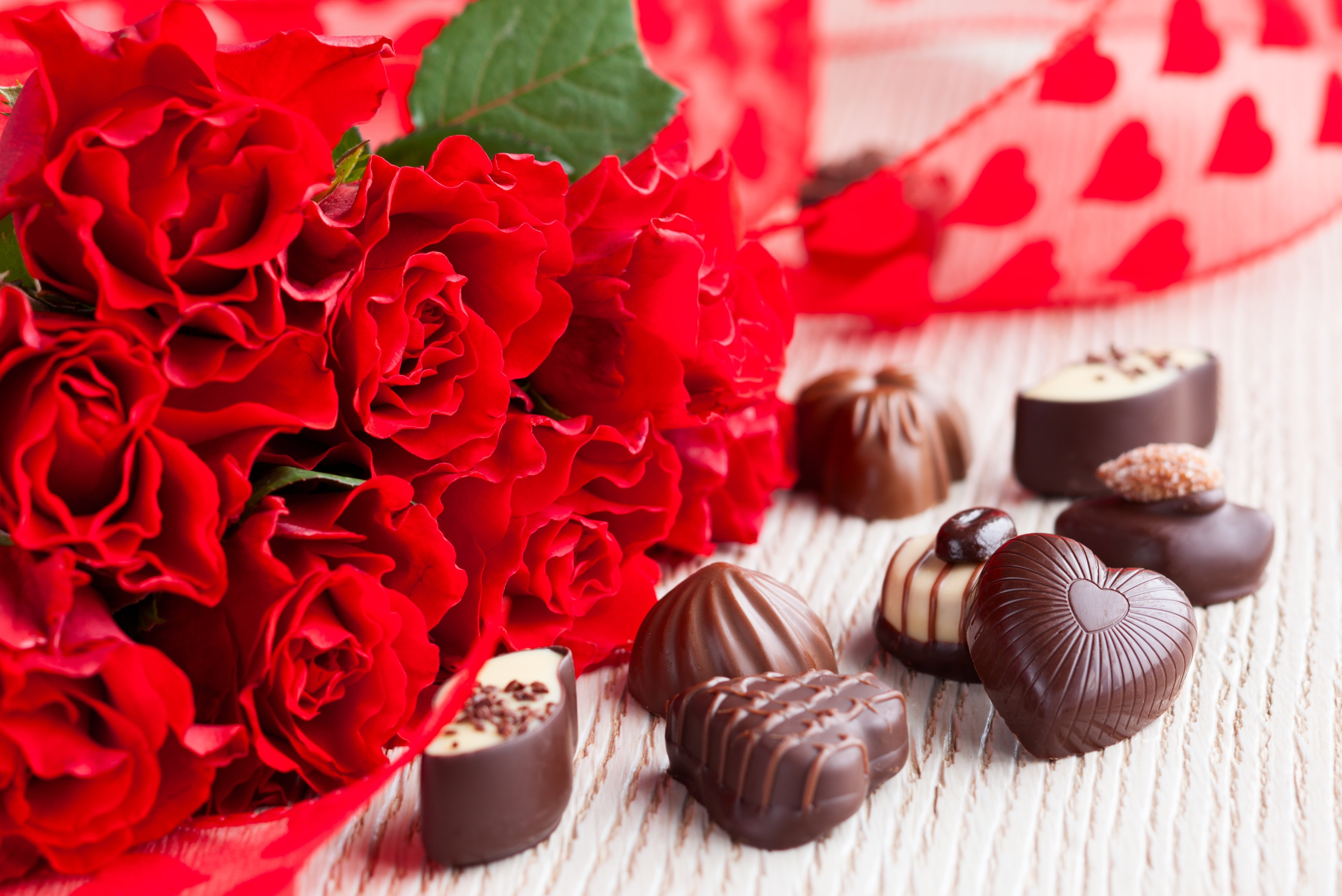Rose flowers love life Chocolate presents wallpaper 5000x3340
