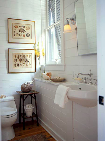 Wider planks that cover the walls conjures a nautical feel 450x600