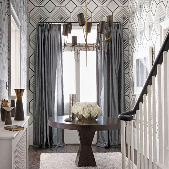 Statement lighting Classic entrance halls   10 best housetohomeco 550x550