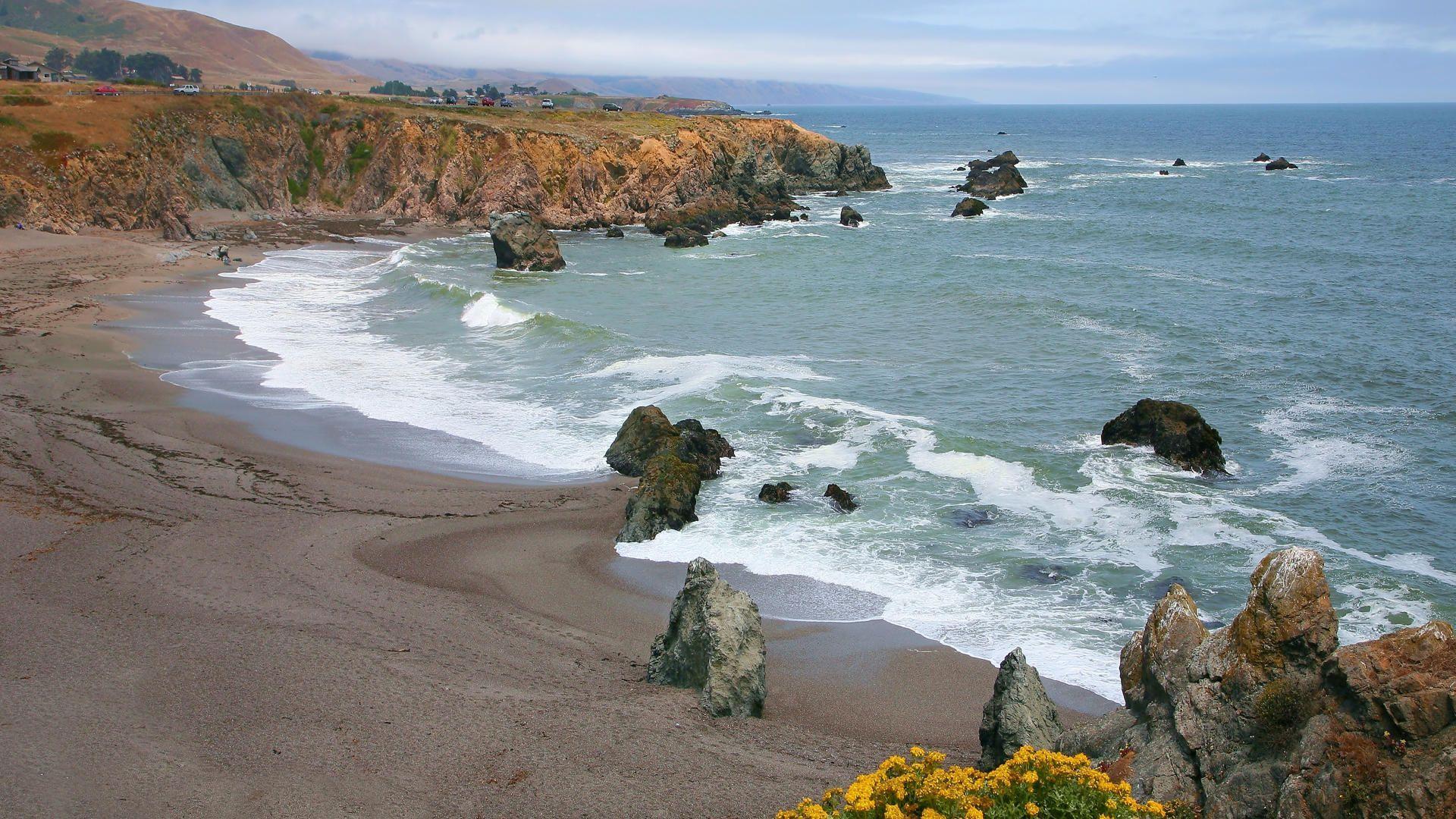 Schoolhouse Beach in California wallpaper 35950 1920x1080
