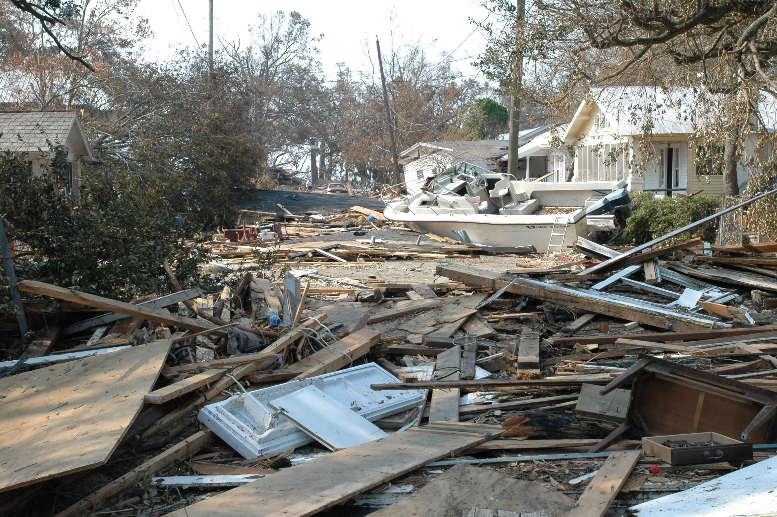 FileDamage and destruction to houses in Biloxi Mississippi by 3008x2000