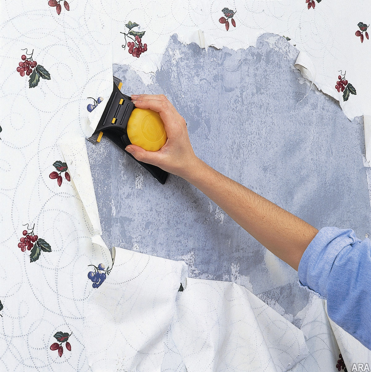Wyobraska Living Tips for quick and easy wallpaper removal 1200x1203