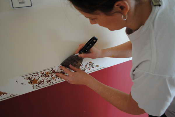 Remove Wallpaper With Fabric Softener Remove Wallpaper With Fabric 600x402