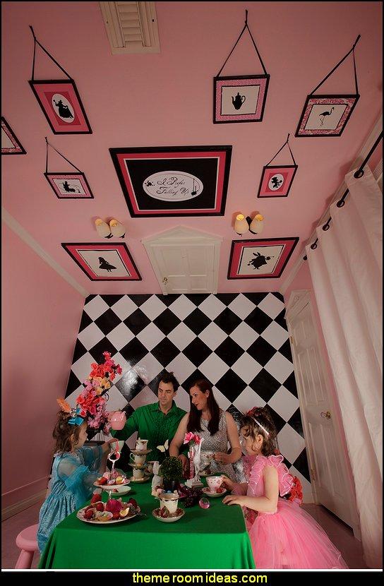 Alice In Wonderland Room Wallpaper Wallpapersafari