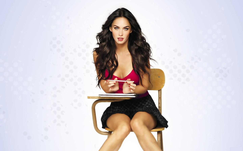 glamshamcom View topic   HOT Supergirl Megan Fox   NEW Wallpaper 1440x900