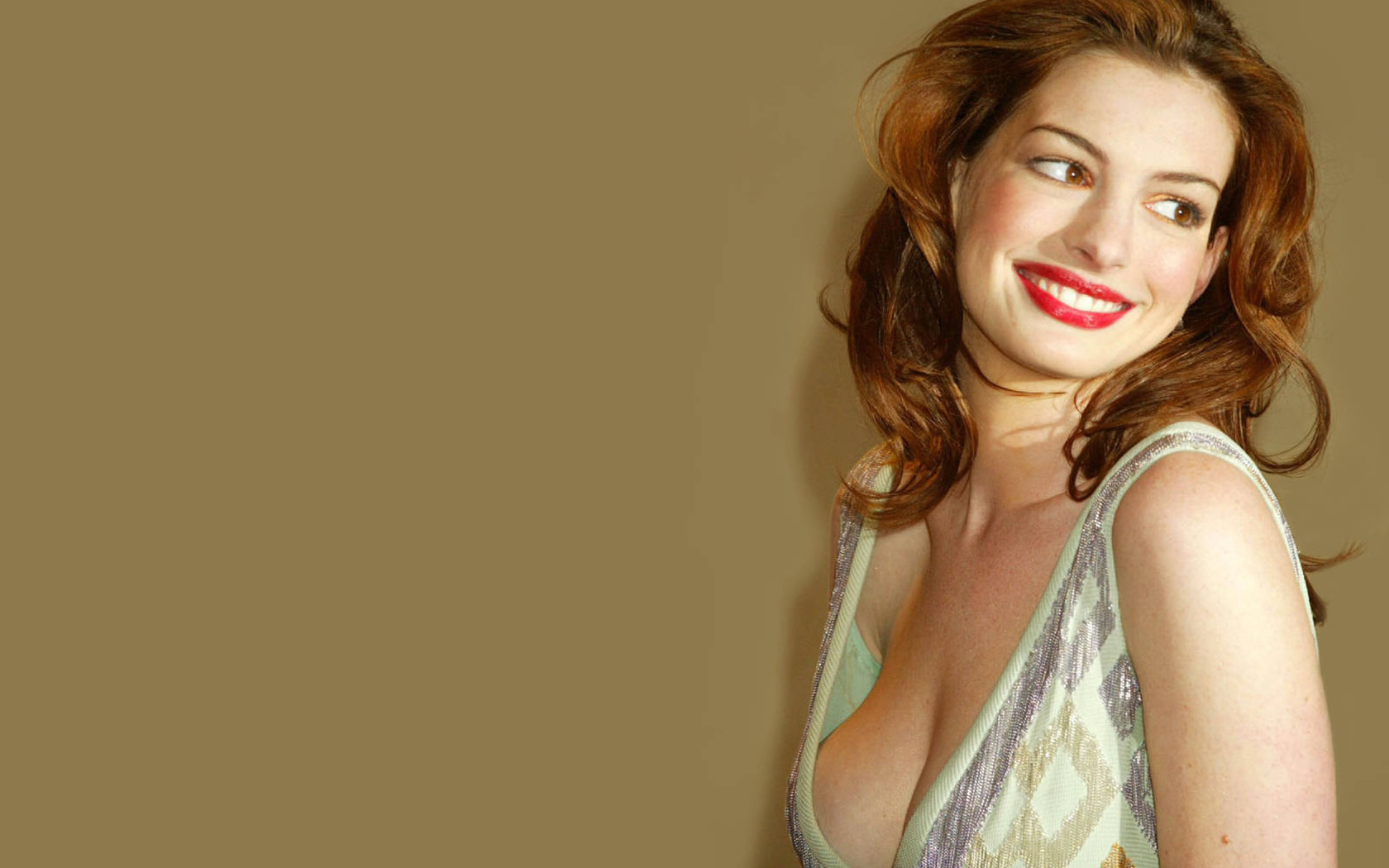 Celebrity Backgrounds for Computer Download HD Wallpapers 1680x1050