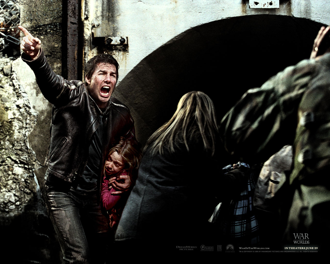 Tom Cruise   Tom Cruise in War of the Worlds Wallpaper 28 800x600 1280x1024