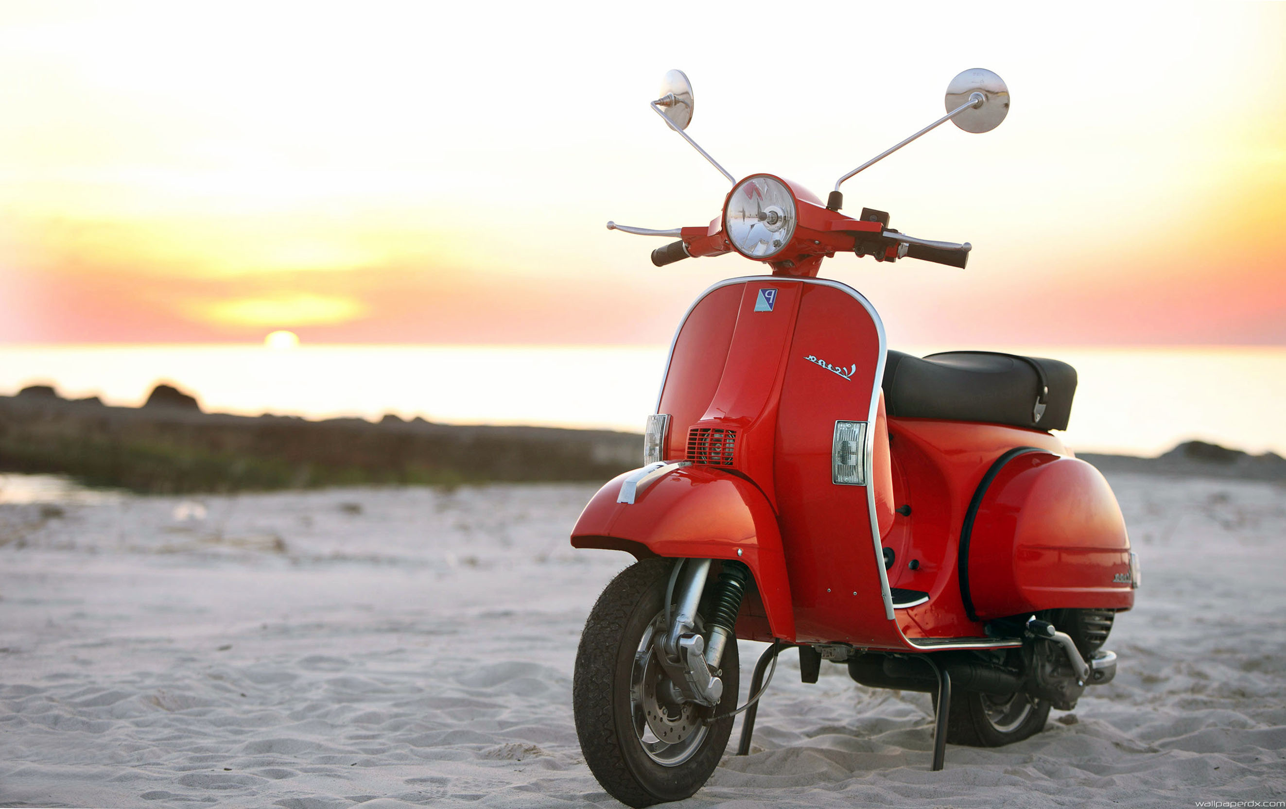 Vespa Hd Wallpapers Pictures to pin 2646x1665
