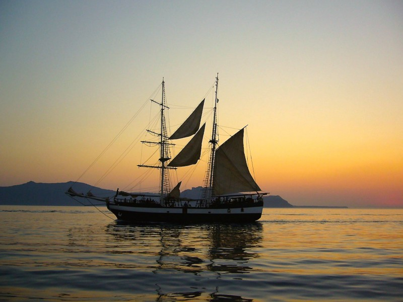 Sailing Ship Wallpaper HD Ship Download WallpaperGeekscom 800x600
