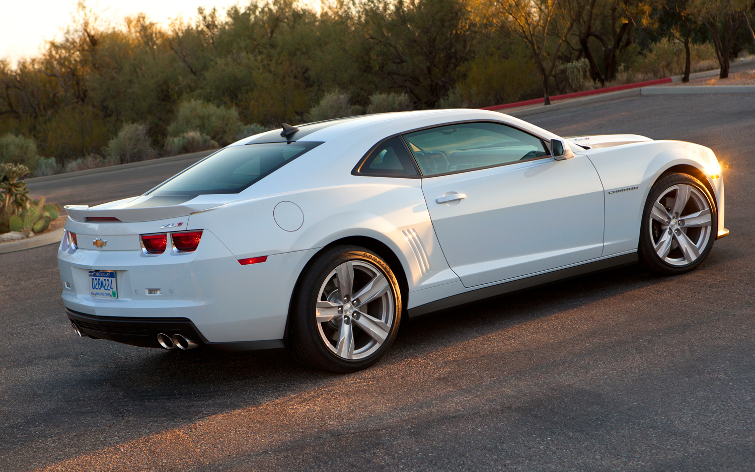 White Chevrolet Camaro ZL1 Wallpaper   HD 1500x938