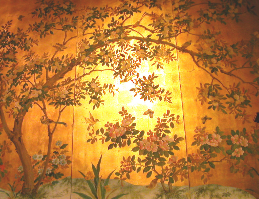 FOUR PANELS CHINESE HAND PAINTED WALLPAPER IN GOLD LEAF at 1stdibs 1024x787