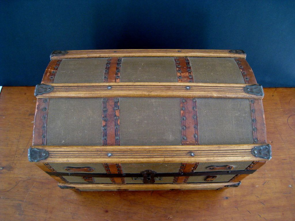 Antique Dome Top Doll Trunk c1900 Miniature Steamer Trunk RCL233 1024x768