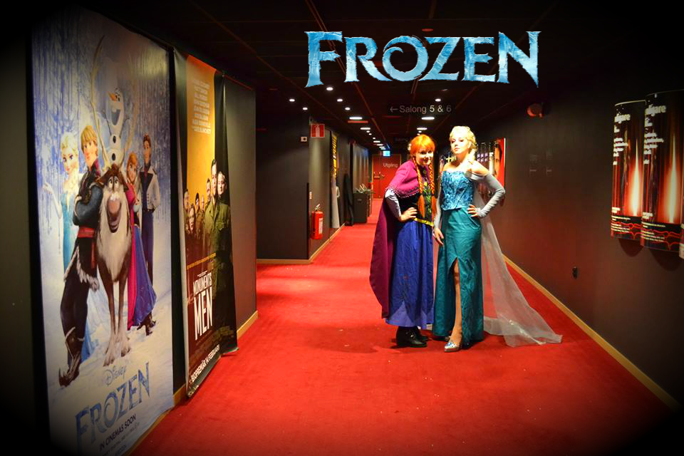 Anna and Elsa Wallpaper   Frozen premiere Cosplay by Mitternachto on 960x640