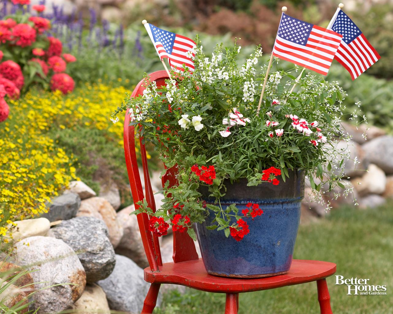 patriotic screensavers and wallpaper wallpapersafari American Flag Clip Art Animated American Flag Clip Art Black and White