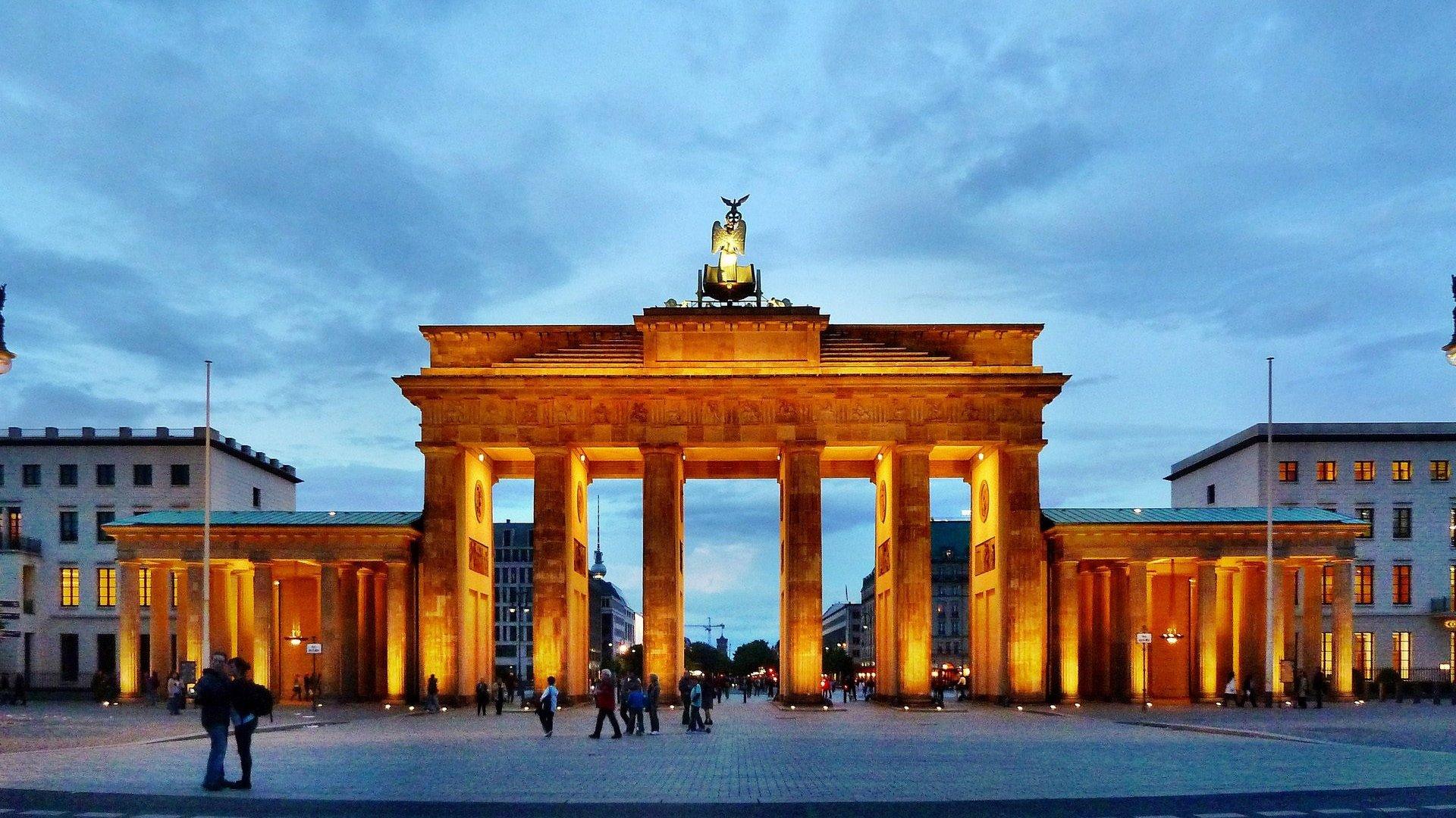 Brandenburg Gate Wallpaper 10   1920 X 1080 stmednet 1920x1080