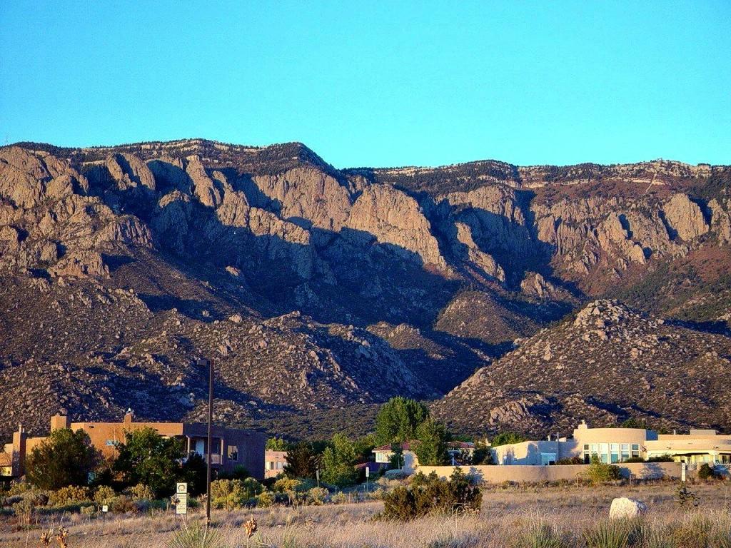 com    wallpaper other landscape DOT New Mexico Sandia Mountains 1024x768