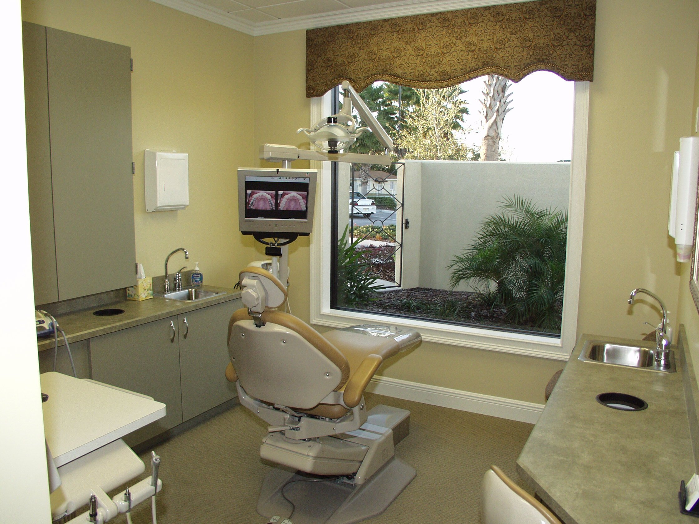 Dental office designs dentists hd wallpaper pictures top dental office 2240x1680