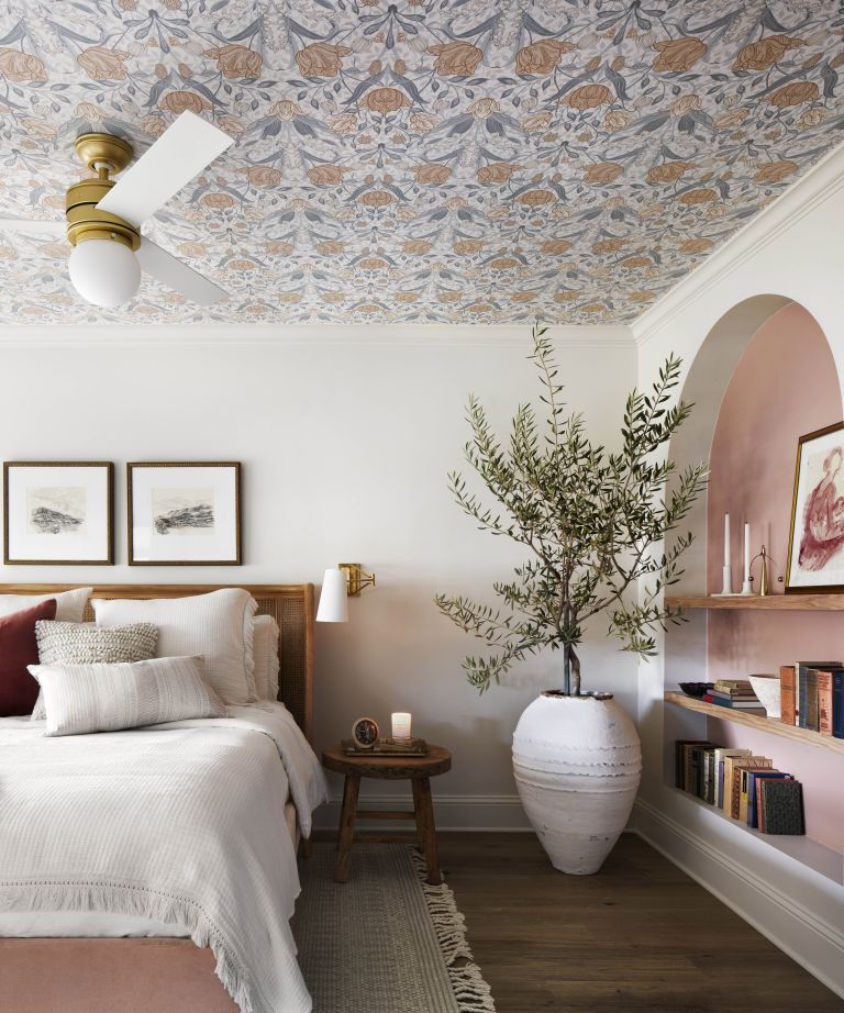 Joanna Gaines ceiling wallpaper this idea is trend setting 768x922