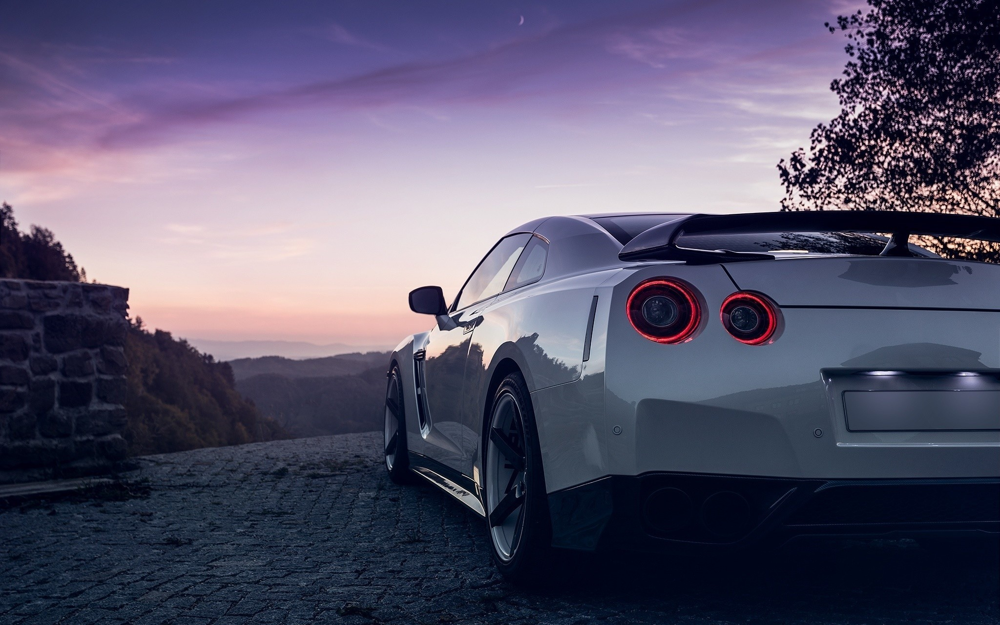 Nissan GTR R35 white car side view wallpaper 2048x1280