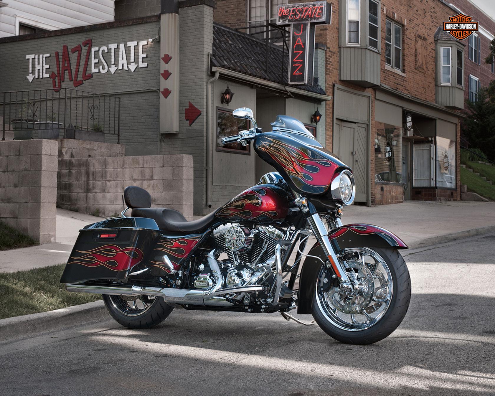 Street glide wallpapers and screensavers wallpapersafari 2013 harley davidson flhx street glide q wallpaper 1680x1344 87081 voltagebd Choice Image