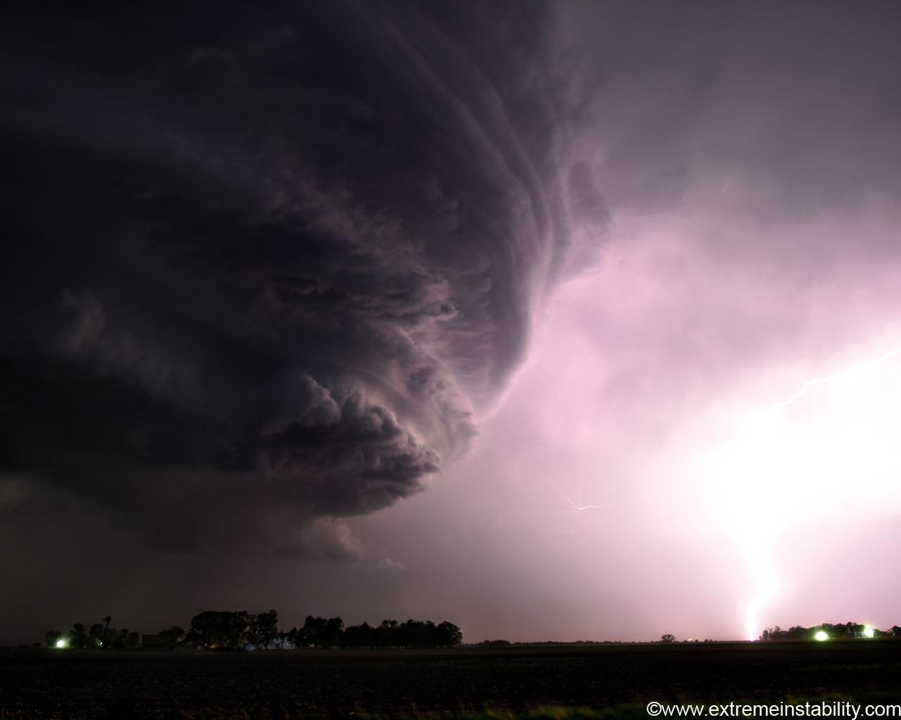 Tornado   National Geographic Wallpaper 6968531 1280x1024