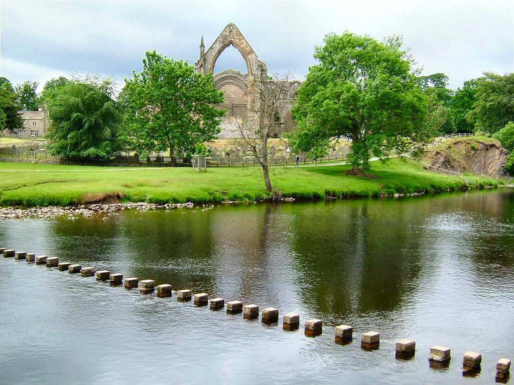 Below a view of Bolton abbey Wallpaper for screen resolutions of 1024x768