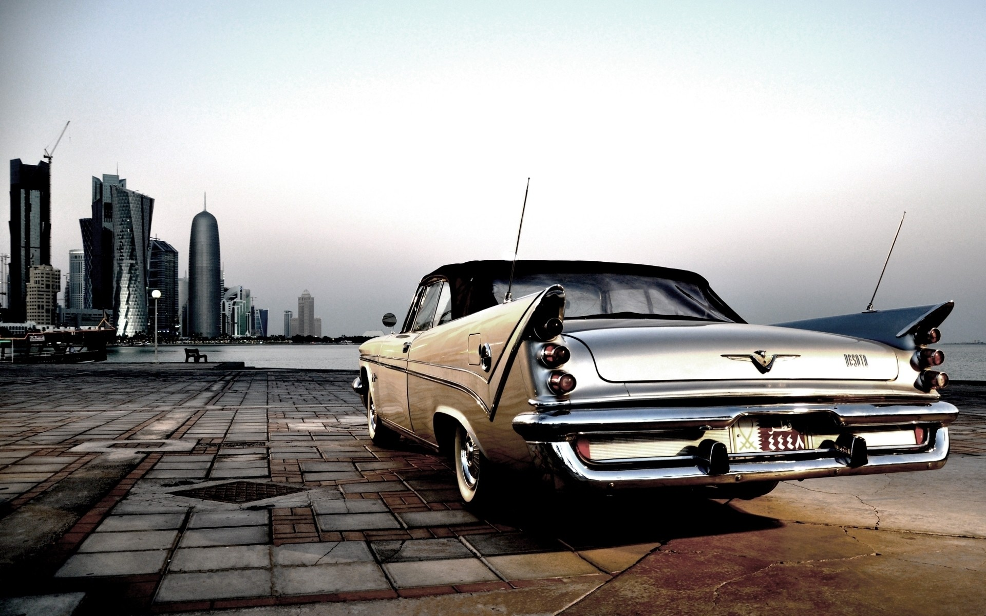 Chrysler 300 old classic car pictures for desktop and wallpaper 1920x1200