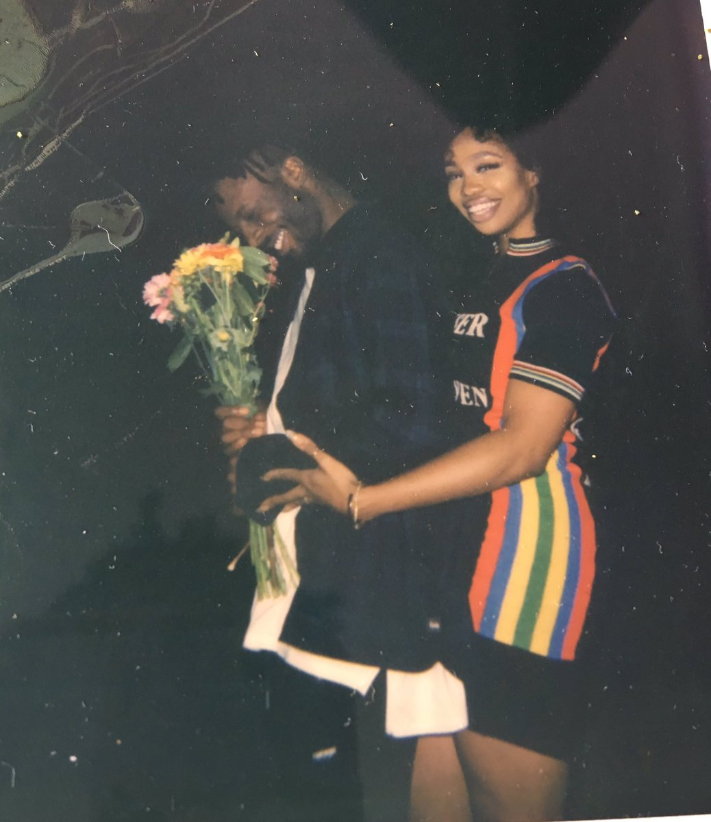 I dont know why but this picture of Isaiah Rashad and SZA makes 1038x1200