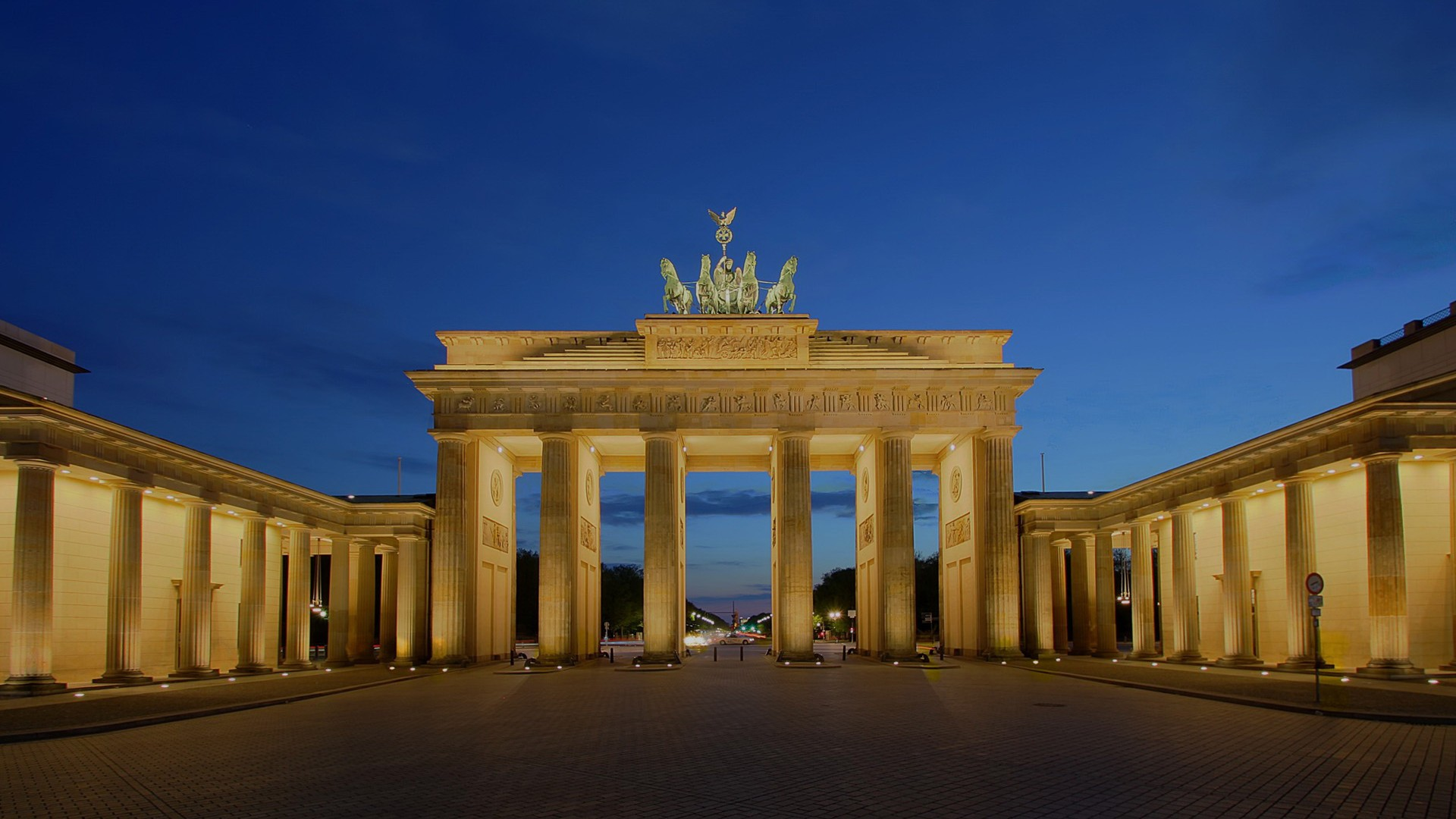Brandenburg Gate Wallpaper 9   1920 X 1080 stmednet 1920x1080