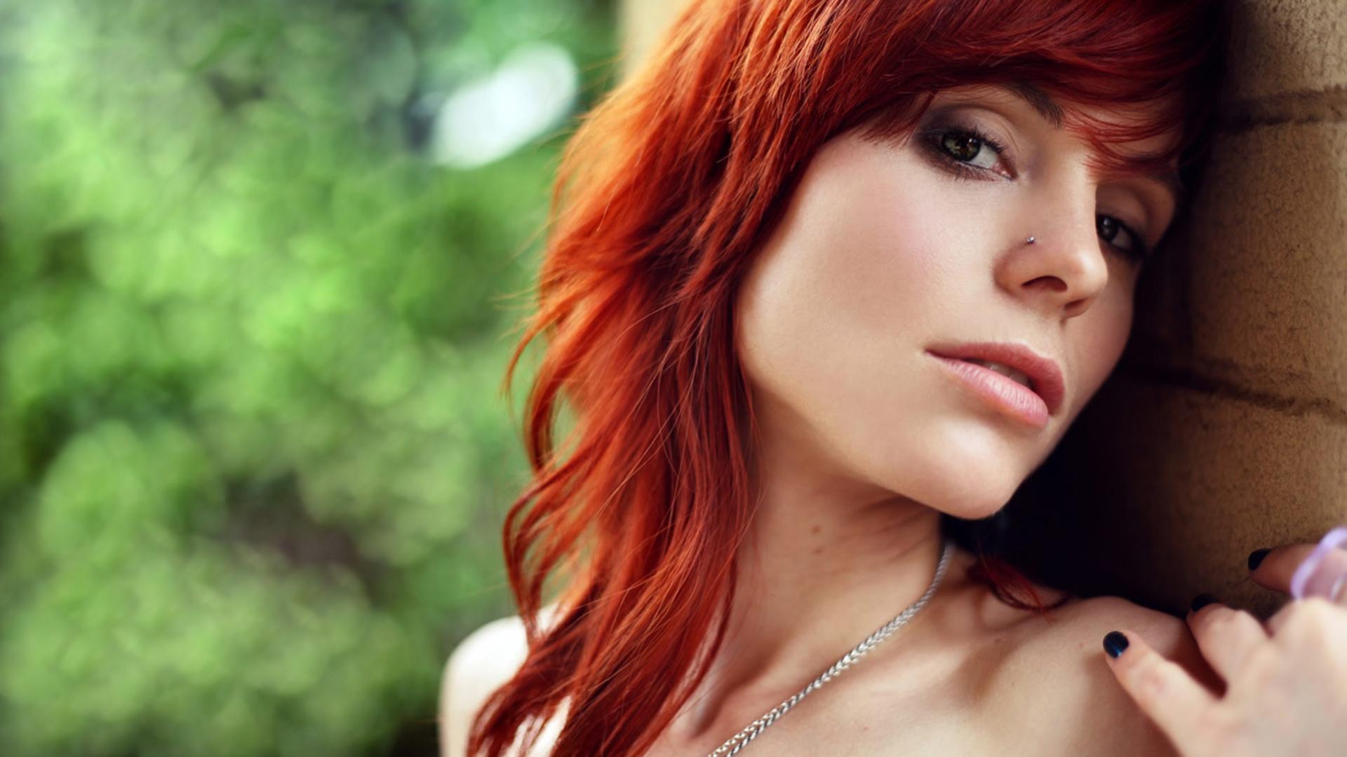 hot-redhead-wallpaper
