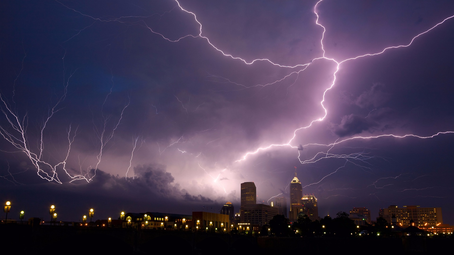 Gamma rays from lightning found to create antimatter in the air 1920x1080