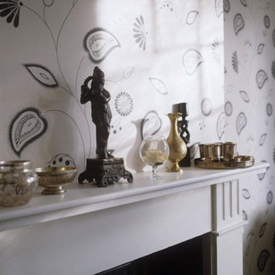 Modern monochrome wallpaper Living room idea Wallpaper Image 550x550