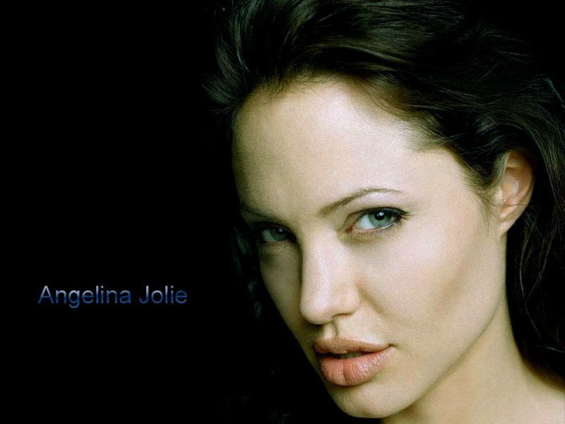 Angelina Jolie Wallpapers HD 800x600