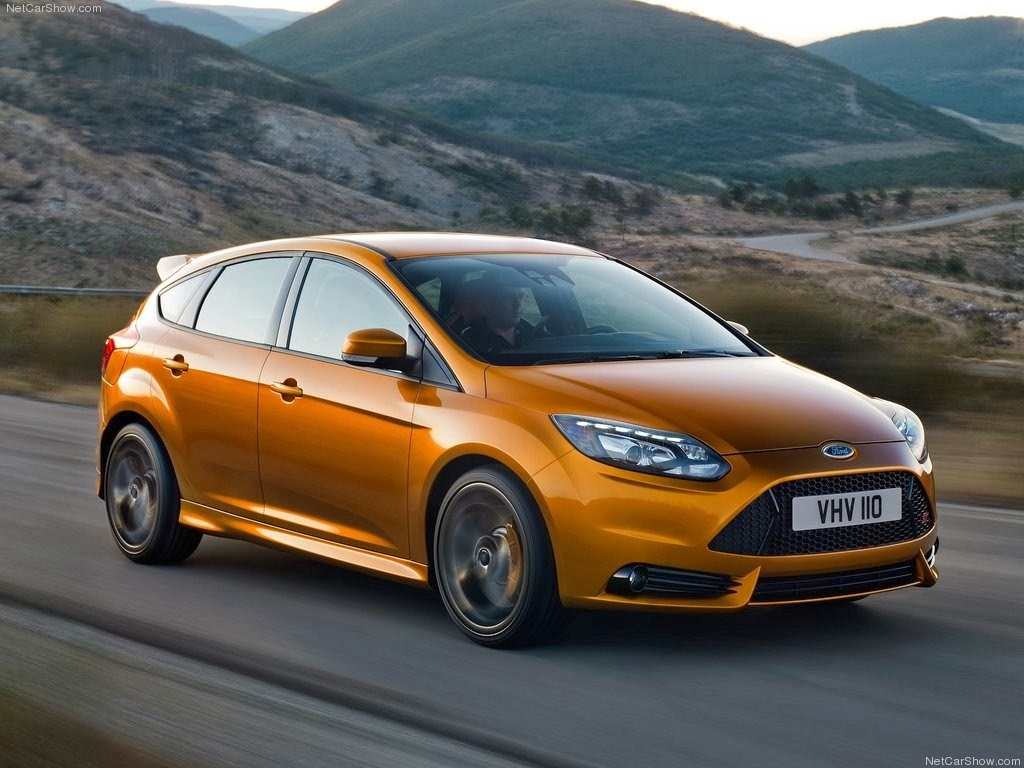 Ford Focus ST 2014 Wallpaper 1024x768